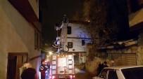İTFAİYE ARACI - Otel Olarak Kullanılan Tarihi Konak Kül Olmaktan Son Anda Kurtarıldı