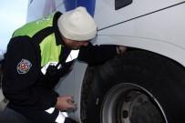 KAR LASTİĞİ - Polis Ve Jandarmadan Kar Lastiği Uygulaması