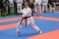 ESAT DELIHASAN - Türkiye Karate Şampiyonası Kuşadası'nda Başladı