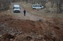 Diyarbakır'da Saldırı Sonrası 3.5 Metre Derinliğinde Çukur Açıldı