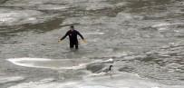 İTFAİYE ERİ - Eksi 20 Derecede Ördek Kaçtı Dalgıç Kovaladı