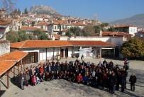 YAĞCıLAR - Gazeteciler Tarihi Muğla Evlerini Gezdi