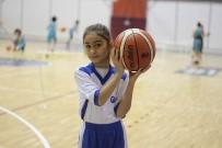 OSMAN GENÇ - Halepli Minik Kızın Basketbol Aşkı
