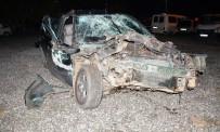 BEYOBASı - Köyceğiz'de Otomobille, Traktör Çarpıştı; 3 Yaralı