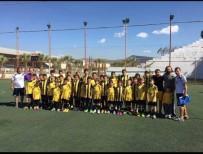 TAMER YIĞIT - Söke Gençlikspor'dan Futbolcularına Farklı Yöntem