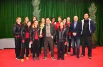 VOLEYBOL TAKIMI - Uluslararası Radyocular Birliğinden Pursaklar Voleybol İhtisas'a Anlamlı Ödül