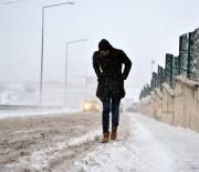 KAYAK SEZONU - Doğu'da Kar, Tipi Yolları Ulaşıma Kapadı