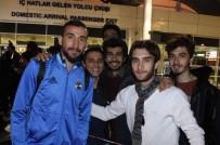 ROBİN VAN PERSİE - Fenerbahçe Kafilesi Antalya'ya Geldi