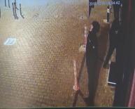 İLKAY - Acemi Hırsızlar İkinci Defa Geldikleri Dükkanın Kapısını Açamadı, O Anlar Güvenlik Kamerasına Yansıdı...