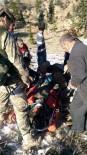 GÖKTEPE - Ağaçtan Düşerek Ağır Yaralanan Şahıs Askeri Helikopterle Hastaneye Kaldırıldı