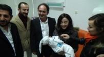 ZEYTINLI - Cami Avlusuna Bırakılan Ege Bebeğe AK Parti Kadın Kolları Sahip Çıktı