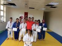 AHMET TURAN - Okullararası Judo'da Dereceye Giren Sporcular Belli Oldu