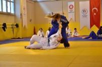 TERTIP KOMITESI - Adana'da Okullarası Gençler Judo Müsabakaları Tamamlandı