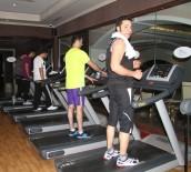 SPOR MERKEZİ - Elit World Van Otel'de Spor Ve Havuz Keyfi