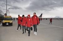 FLORYA - Galatasaray'a Erzincanlı Taraftarlardan Sevgi Seli