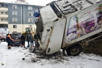 Gümüşhane'de Çöp Kamyonu Devrildi Açıklaması 1 Yaralı