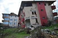 OKUL BİNASI - Heyelanın Yaşandığı Mahalle 1.5 Yılda Harabeye Döndü