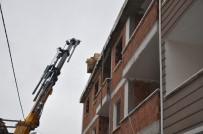 TURGUTALP - İnşaattan Düşen İşçi Hayatını Kaybetti