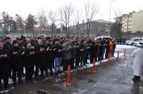 ÜLKÜCÜLER - Kars Ülkü Ocakları İstanbul Şehitleri İçin Gıyabi Cenaze Namazı