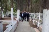 KUŞADASI BELEDİYESİ - Kuşadası Adalızade Mezarlığı'nda Düzenleme Yapılıyor