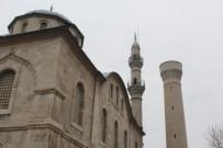 YENI CAMI - Malatya Beş Camisiz Minaresinden Birini Kaybetti