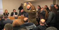 AZINLIKLAR - Yunanistan'da Aşırı Sağcılar Toplantı Bastı