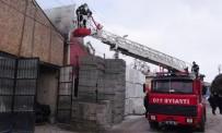 Aksaray'da İş Yeri Yangını