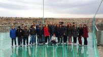 SOSYAL BILGILER - Başarılı Öğrencilere 'Cam Terası' Gezisi