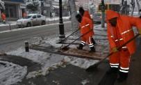BEYDAĞı - Battalgazi Belediyesi Karla Mücadele Çalışmalarını Aralıksız Sürdürüyor