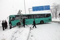 Elazığ'da Kar Etkili Oldu, 381 Köy Yolu Kapandı