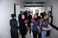 Kadirli'de CHP Yönetimi Polislere Karanfil Vererek Başsağlığı Diledi