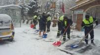 ESKIKÖY - Kahramanmaraş Büyükşehir Belediyesi'nin Kar Nöbeti