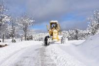 OKUL SERVİSİ - Karabük'te Karla Mücadele Çalışmaları