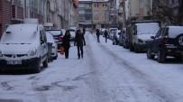 TRAFİK MÜDÜRLÜĞÜ - Kütahya'da Kar Sevinci