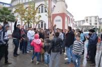 ULU CAMİİ - Suriyelilerden Halep'e Destek Gösterisi