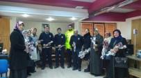 AK Parti Kadın Kolları Polislere Karanfil Verdi