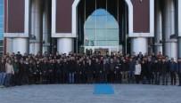 Akademisyenler Ve Üniversite Öğrencilerinden Polise Destek Ziyareti