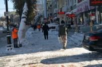 DENGE BOZUKLUĞU - Buzlu Yollarda Ve Kaldırımlarda Yürürken Dikkat