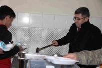 MEHMET NURİ ÇETİN - Kaymakam Çetin'den Yemek Denetimi