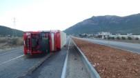ATAKENT - Mersin'de Soğuk Hava Ve Fırtına Hayatı Felç Etti, Can Aldı