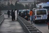 SAHİL YOLU - Rize'de Trafik Kazası Açıklaması 1 Polis Yaralandı
