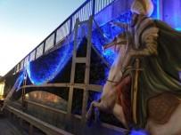 ESKIHISAR - Tatlıkuyu Köprüsü'ne Dekoratif Dikey Bahçe Çalışması
