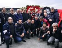 OĞUZ TONGSİR - TSYD Başkanı Oğuz Tongsir Ve Yönetim Kurulu Şehitler Tepesi'ne Çelenk Bıraktı