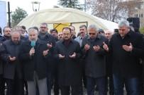 İNSANİ YARDIM KORİDORU - Uşak'tan 'Halep'e Yol Açın' Konvoyu Dualarla Uğurlandı
