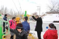 MEHMET NURİ ÇETİN - Başkan Çetin, Çocuklarla Parkta Bir Araya Geldi