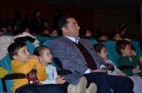 KÜRESELLEŞME - Belediye Başkanı Fatih Bakıcı Çocuklarla Birlikte 'Sihirli Kutu' Adlı Oyunu İzledi