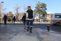 Karaman Belediyesi'nden Kar Ve Buz Mesaisi