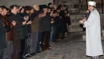 Aksaray'da Şehitler İçin Gıyabi Cenaze Namazı Kılındı