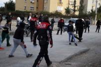 YUNUS TİMLERİ - Antalya'da Polis, Çocuklarla Top Oynadı