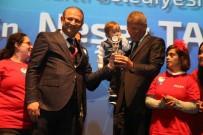 KROMOZOM - Başkan Tarhan, Ödülünü Down Sendromlu Çocuklarla Birlikte Aldı